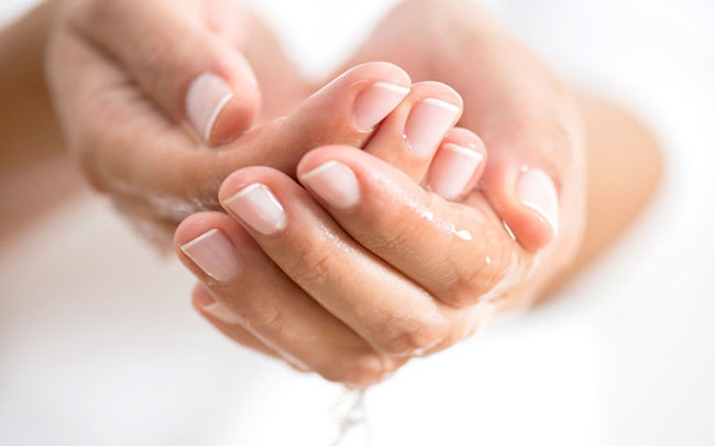How to Treat Sweaty Hands
